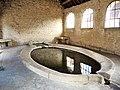 Ray-sur-Saône. Bassin ovale de la fontaine-lavoir.jpg
