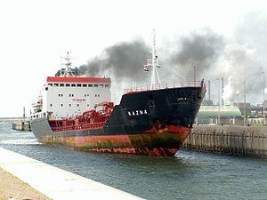 Razna p1 locks of Ijmuiden, Port of Amsterdam, Holland 04-Aug-2005.jpg