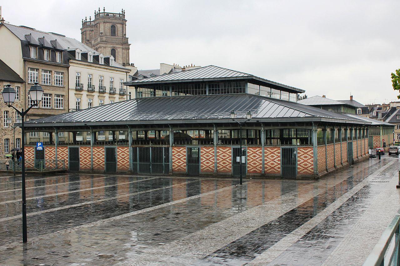 Rennes - Halles Martenot sous la pluie.jpg
