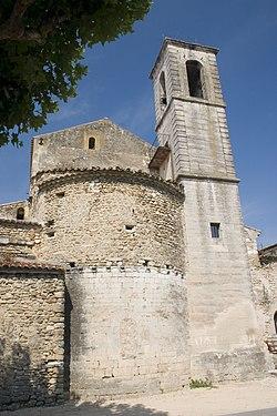 Richerenches (84) Chevet de l'église Notre-Dame.jpg