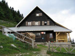 Begunjščica - Roblek Hut at Begunjščica
