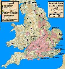 La Britannia romana nell'anno 370 circa, con i principali centri urbani e fortificazioni.