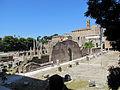Roman Forum 3 (15051535099).jpg