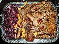 Rumänischer Mixed-Grill mit Mici und Beilagen.jpg
