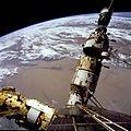STS-76 Mir Space Station survey - Spektr, Base Block, Kvant and Soyuz.jpg