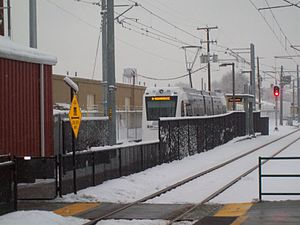 Central Pointe (UTA station) - Looking south toward the S Line passenger platform from the southern end of the TRAX platform