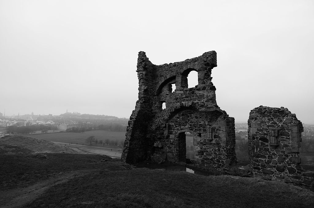 Ruine romantique de la Saint Anthony's Chapel à Edimbourg. Photo de Magnus Hagdorn.