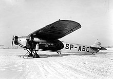 https://upload.wikimedia.org/wikipedia/commons/thumb/b/b1/Samolot_PLL_LOT_Fokker_F.VII_znak_SP-ABC.jpg/220px-Samolot_PLL_LOT_Fokker_F.VII_znak_SP-ABC.jpg
