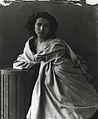 Sarah Bernhardt-Nadar 2.jpg