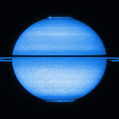 File:Saturn's double aurorae (captured by the Hubble Space ...