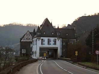Deutsche Stiftung Denkmalschutz - Compromise between conservation of a Heritage Site and economic needs such as a highway, Schloss Gondorf, Kobern-Gondorf, on the Moselle.