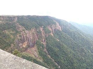 Nohsngithiang Falls waterfall