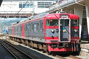 Kita-Shinano Line - A Shinano Railway 115 series EMU