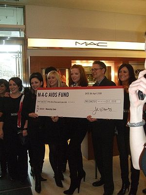 Shirley Manson - Shirley Manson donates £51,000 to Waverley Care on behalf of M•A•C AIDS Fund.
