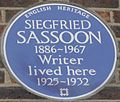 Siegfried Sassoon 23 Campden Hill Square blue plaque.jpg