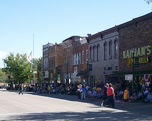 Glenwood, Iowa - Sharp Street on the Glenwood Courthouse Square during the 2007 Homecoming parade.