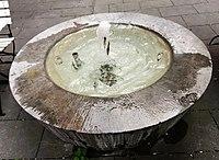 Springbrunnen Feilitzschstr4 München.jpg