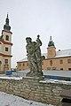 Střední škola - piaristické gymnázium, muzeum (Litomyšl) v pozadí.JPG