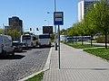 Střelničná, zastávka Ládví, autobusy před otočkou.jpg