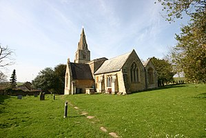 Church of St Peter, Pavenham - Image: St Peter, Pavenham south east elevation (geograph 3907282)