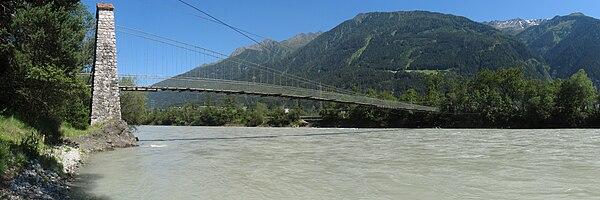 Stams Hängebrücke01 2011-05-27.jpg
