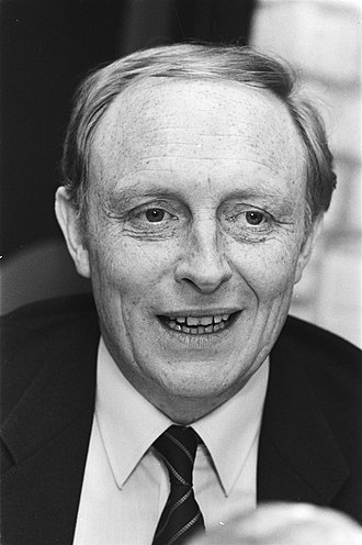 1987 United Kingdom general election - Image: Start campagne voor Europese verkiezingen van Pvd A (Rotterdam) Neal Kinnoch , k, Bestanddeelnr 932 9811
