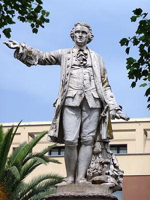 Luigi Vanvitelli - Image: Statua Vanvitelli Caserta f 01