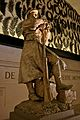 Statue in the Arc de Triomphe, 2009.jpg