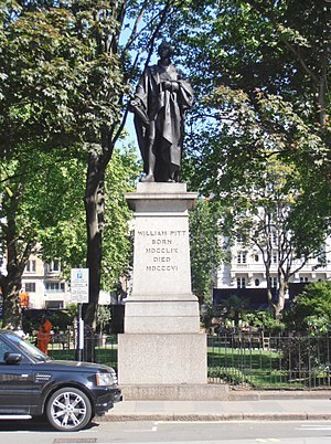Mayfair - Image: Statue of Pitt the Younger, Hanover Square W1