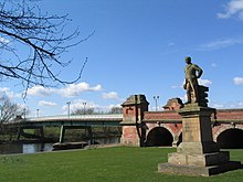 Statue of Sir Robert Juckes Clifton, Wilford Bridge, Nottingham - Geograph-753649.jpg