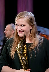 Stefanie Reinsperger Nestroy-Theaterpreis 2015.jpg