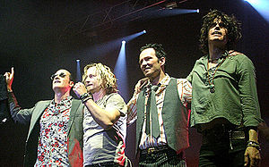 Stone temple pilots lineup on stage cropped.jpg
