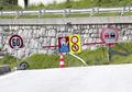 Straßensperre Paznaun Schranken Detail.jpg