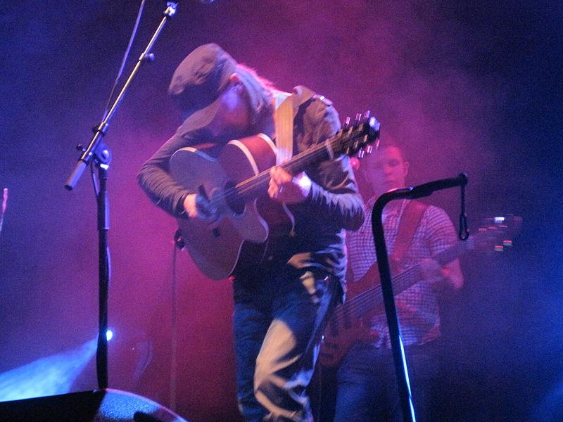 Musique celtique folk, trad et moderne 800px-Stuart_et_Colin