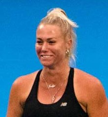 Sydney International Tennis (39950540653) (cropped2).jpg
