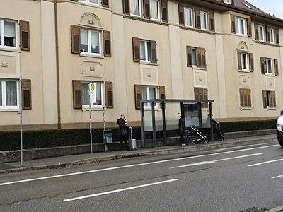 Tübingen - Haußerstraße mit Bushaltestelle Mohlstraße (2018).jpg