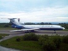 Tupolev Tu-154M dell'Atlant-Soyuz Airlines nella storica livrea.