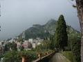 Taormina - Castelmola dalla Villa Comunale - Gennaio 2006 - Foto di Giovanni Dall'Orto.jpg