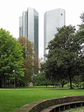 Deutsche Bank Twin Towers - Image: Taunusanlage deutsche bank 2011 ffm 052