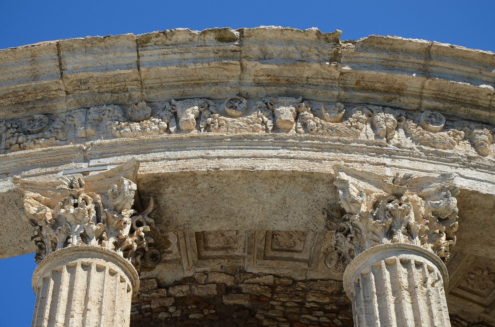 Temple of Vesta, built in the early 1st century BC on the acropolis of Tibur, Tivoli (14920855626).jpg