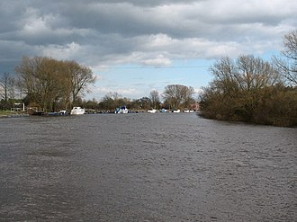 Acaster Malbis - Image: The Ouse at Acaster Malbis geograph.org.uk 720595