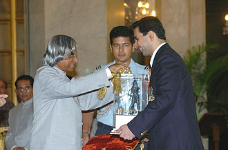 Cyrus Poncha - The President Dr. A.P.J. Abdul Kalam presenting the Dronacharya Award for the year 2004 to Shri Cyrus M. Poncha for Squash, at a glittering ceremony in New Delhi on August 29, 2005