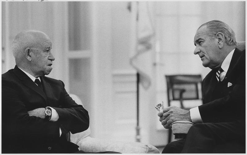 File:The Wise Men, General Omar Bradley with President Lyndon B. Johnson - NARA - 192596.tif