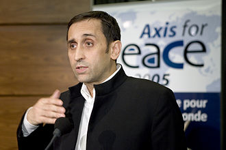 Thierry Meyssan - Thierry Meyssan at the Axis for Peace conference, 2005
