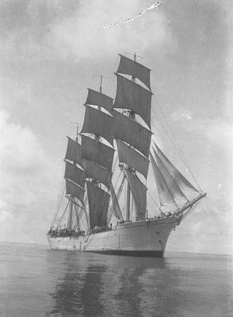 Mast (sailing) - Three-masted training ship Mersey