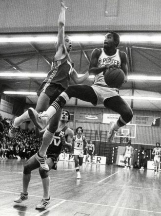 B.S. Leiden - Tony Parker, Sr. (right) going up against Lace Strong (left), while playing for Parker Leiden in 1980.
