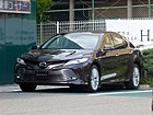 "Toyota CAMRY G""Leather Package"" (DAA-AXVH70-AEXNB) front.jpg"
