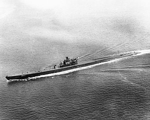USS Pike (SS-173) underway off New London, Connecticut, 5 May 1944
