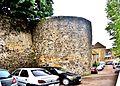 Une tour de l'encente médiévale ouest du château Miton.(2).jpg