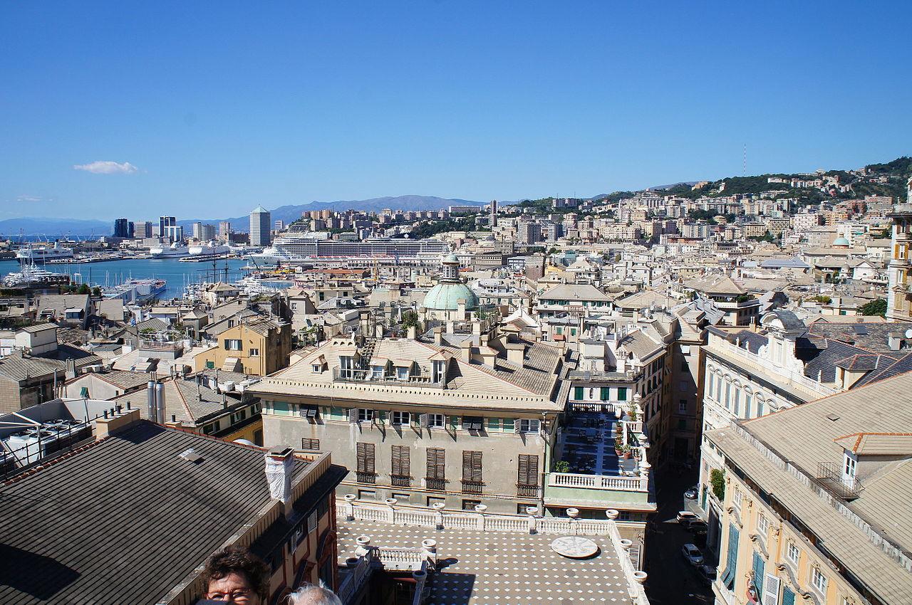 File veduta dalla terrazza sul tetto di palazzo rosso 28 jpg wikimedia commons - Terrazza sul tetto ...